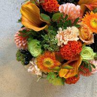 今日も色とりどりのお花たちと一緒にお待ちしています(2019.11.03)