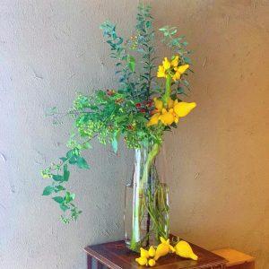 北鎌倉にあるレストラン Akizukiで、お誕生日パーティーのための装花をさせていただきました(2020.09.26)